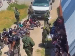 1K Migrants Apprehended in Hours at Single Texas Border Station