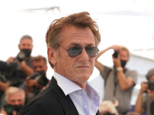 Sean Penn Shames Unvaccinated Moviegoers: 'You Can't Go Around Pointing a Gun in Somebody's Face'