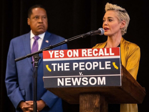 'Put a Stake in the Heart of Evil': Rose McGowan Endorses Larry Elder, Alleges Gavin Newsom's Wife Aided Harvey Weinstein