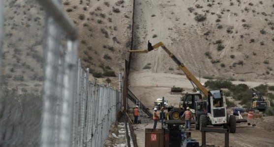Trump Orders 'Immediate' Start to Border Wall, Criminal Deportations