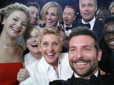 Oscar Night: Hollywood Hypocrisy Takes Center Stage  Celebrities to Push Gun Control — Surrounded by Wall of 500 Armed Officers…
