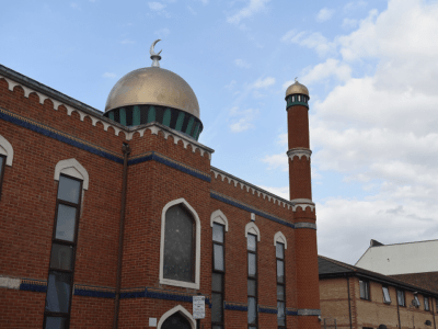Gatestone Institute: 423 New Mosques, 500 Closed Churches in London.