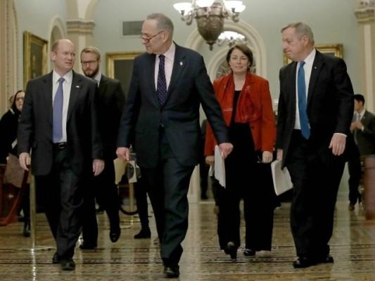 Democrats' Filibuster Blocks Senate Immigration Debate