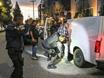 Ocasio-Cortez: Illegals Deserve 'Right of Passage' to Freely Enter USA…