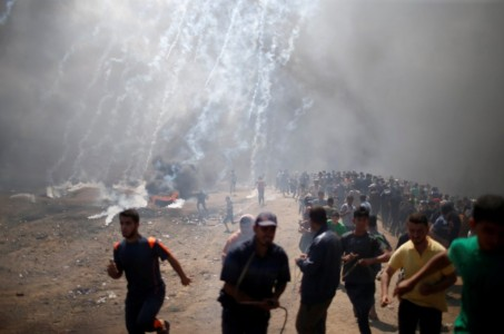 At least 52 Palestinians dead, 1200 hurt as rioters protest embassy move.