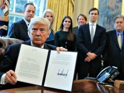 Donald Trump Signs Executive Actions: 'Today the USA Gets Back Control of its Borders'