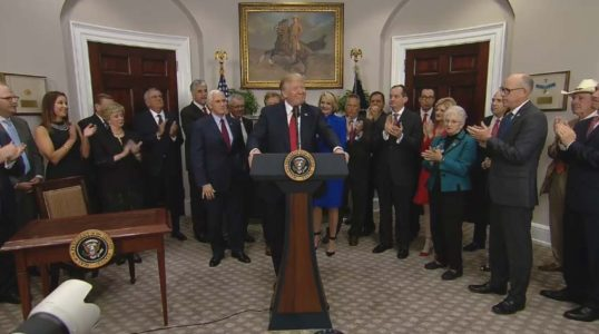 Trump clears way for ObamaCare 'alternatives' in new executive order, goes around stalled Congress