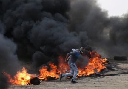 Clashes erupt along Gaza-Israel border ahead of US embassy inauguration.