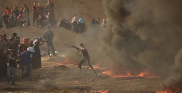 FAKE NEWS: CNN Calls Palestinian Terrorists With Guns and Grenades 'Largely Unarmed'