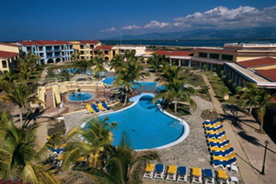 http://images.hotelescubanacan.com/images/Hotel/5/BTM.jpg