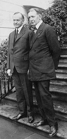 https://upload.wikimedia.org/wikipedia/commons/thumb/e/e0/Coolidge-Dawes.jpg/220px-Coolidge-Dawes.jpg