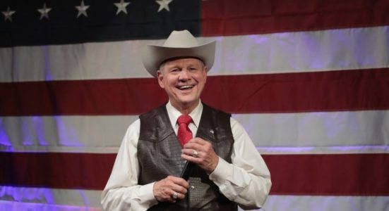 Moore wins Alabama primary