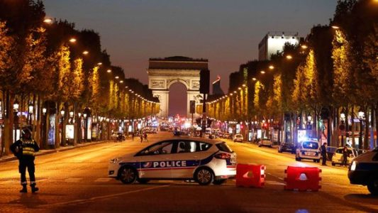 BREAKING: Terrorists Open Fire on Police on Paris's Champs Elysees, One Officer DEAD.