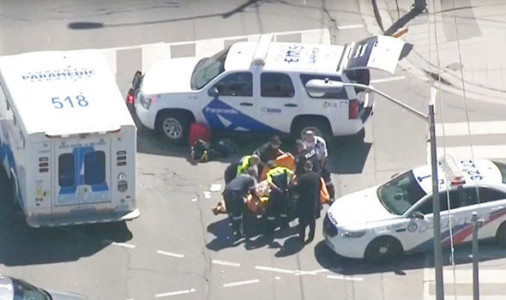 Toronto attack: SHOCK footage of desperate onlookers aiding victim as police LOCATE van.